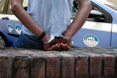 CdG-arresto_polizia_0