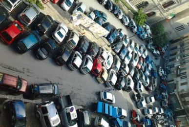 piazza-borsa-invasa-dalle-auto